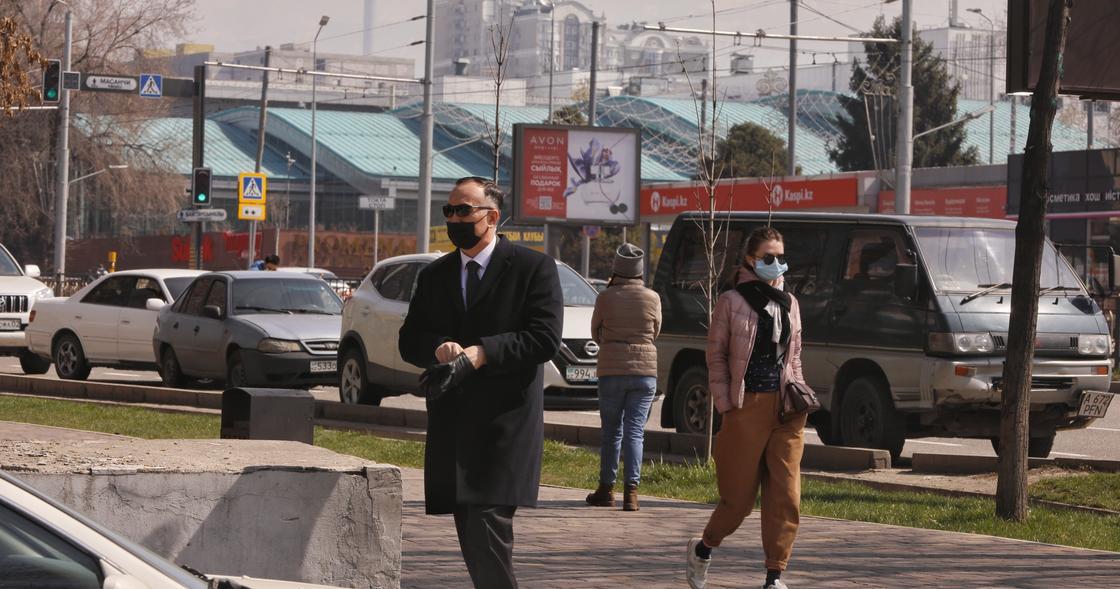 """""""Чтобы не сидели возле шлагбаумов"""": Токаев поручил обеспечить население работой"""