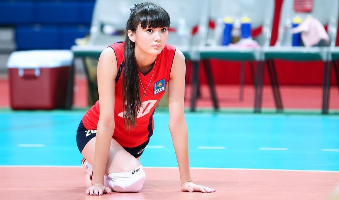 """Спортсменку из Казахстана назвали """"самой красивой волейболисткой"""""""
