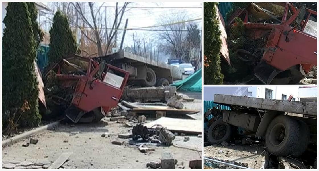 Грузовик с фекалиями влетел во двор дома в Алматы