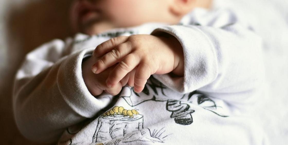 Беременная женщина с коронавирусом родила здорового малыша в Алматы