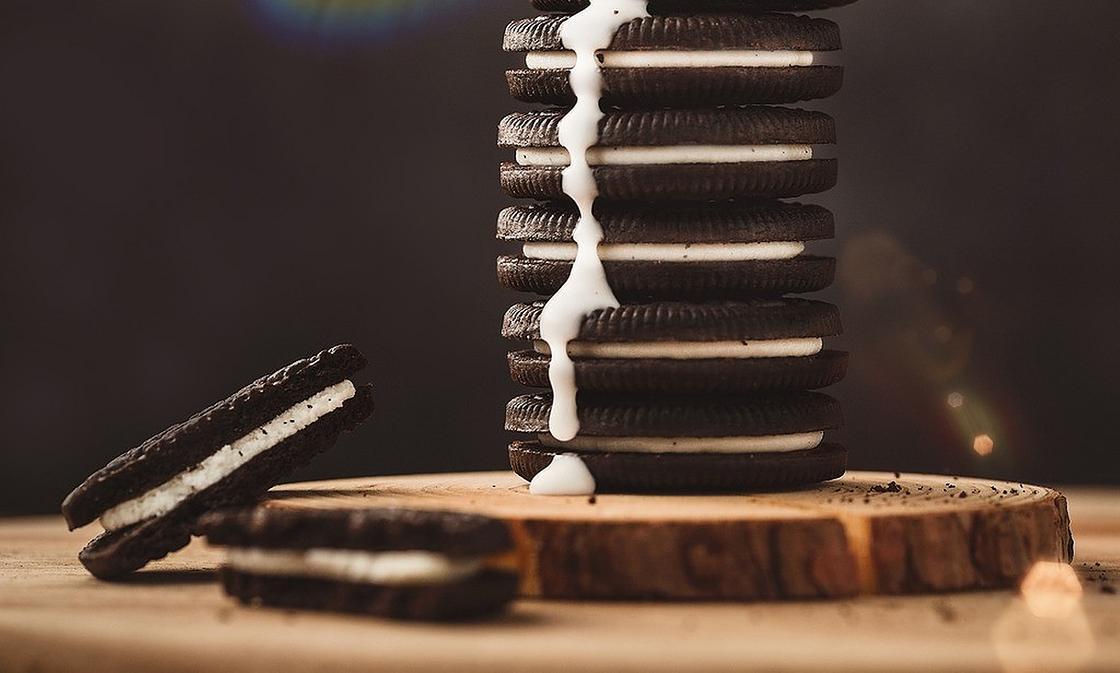 Печенье с белой начинкой