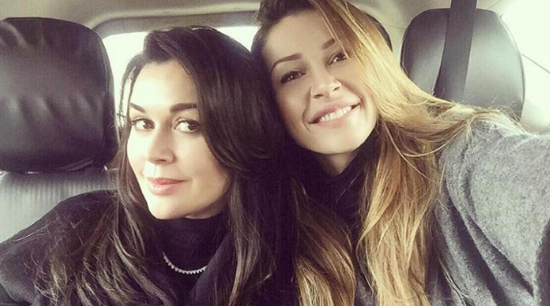 Дочь Анастасии Заворотнюк рассказала о состоянии матери