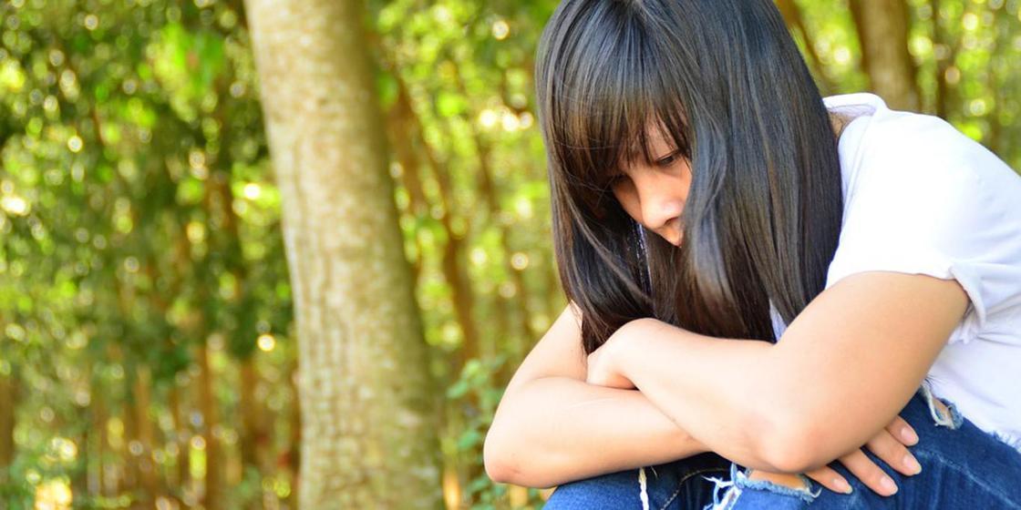 05.12 Заставил раздеться и танцевать: казахстанка забеременела от своего отца в 13 лет