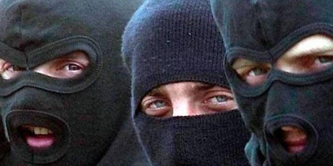 Рэкет для иностранцев: группировка охранников промышляла грабежами в Атырау