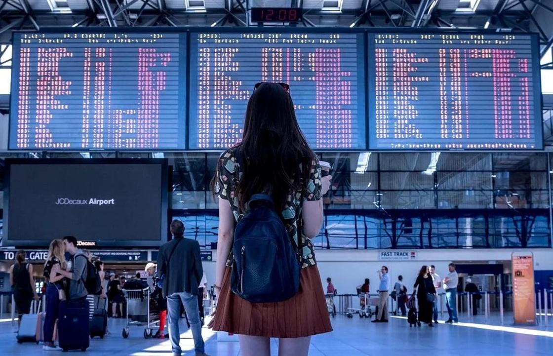 Қазақстандықтар отанына оралу үшін Париждегі әуежайда рейсті 13 сағат күткен