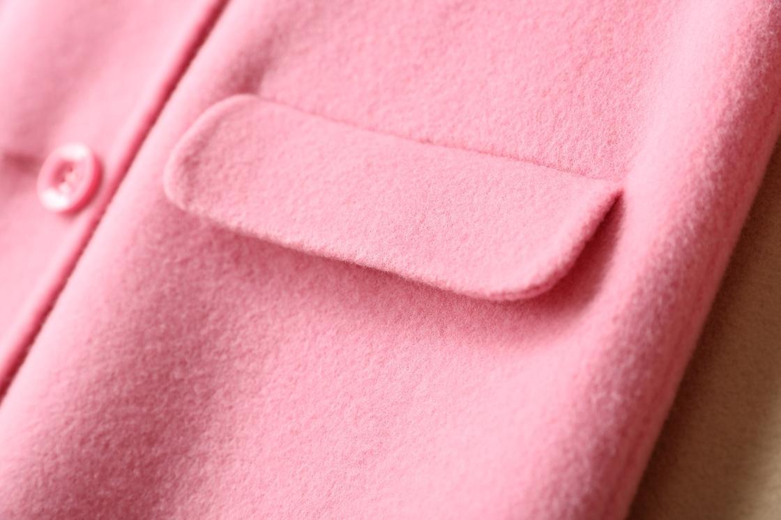 Розовое пальто
