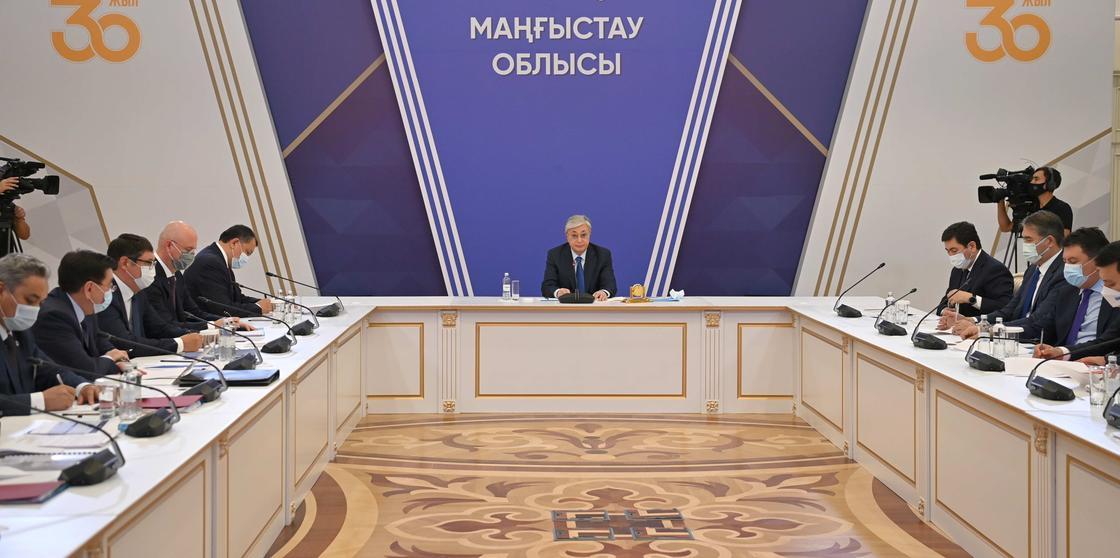 Касым-Жомарт Токаев проводит совещание