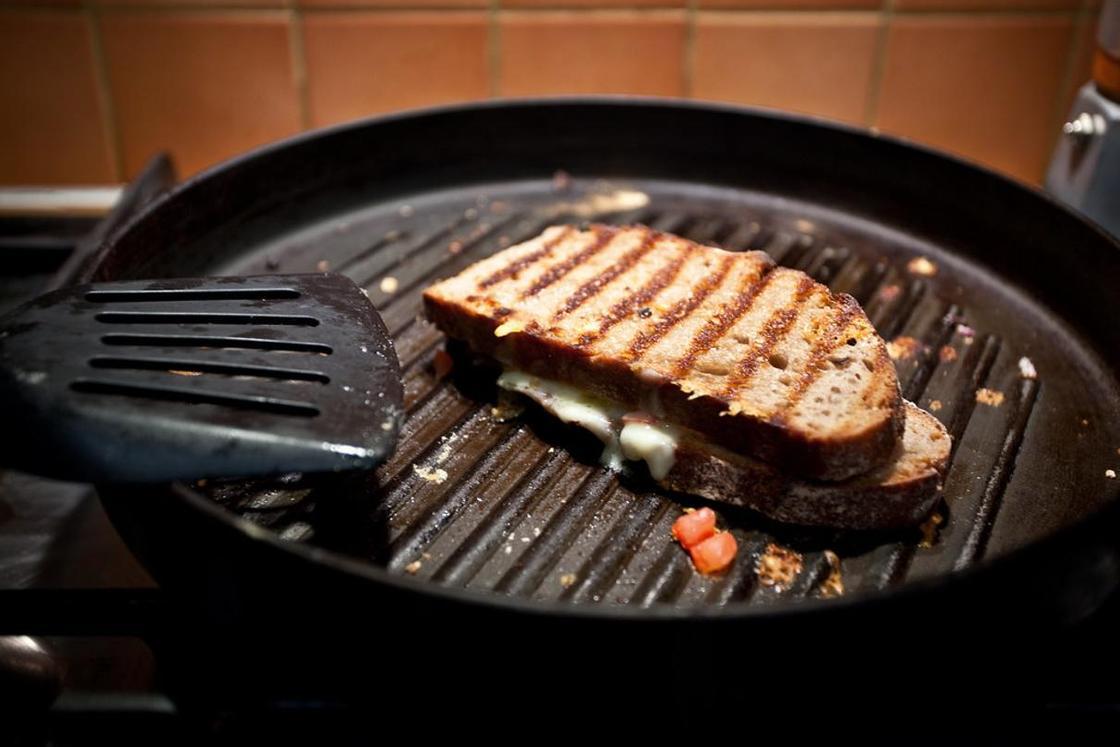 Сковорода-гриль: что это, зачем нужна, как выбрать
