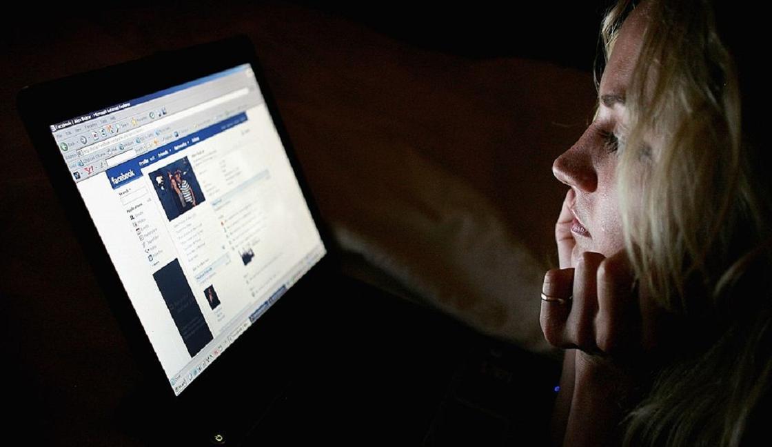 Популярная соцсеть объяснила тотальную слежку за пользователями