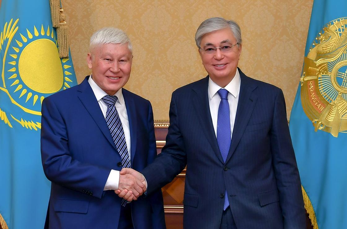 Токаев встретился с академиком Аскаром Джумадильдаевым