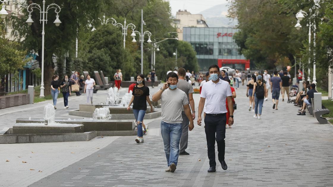 Карантин в Казахстане будет продлен еще на две недели, сообщил Токаев