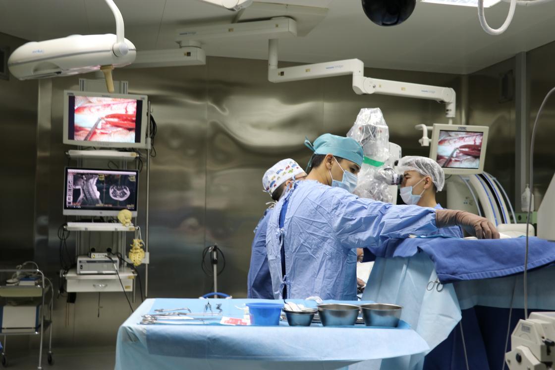 Более 7 тыс. уникальных операций на позвоночник провели в Национальном центре хирургии