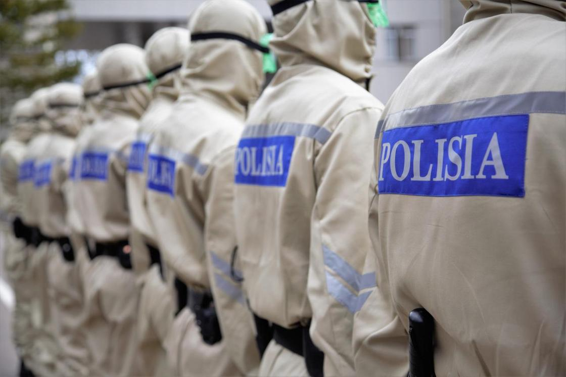 Средства защиты от коронавирусной инфекции показали в МВД (фото)