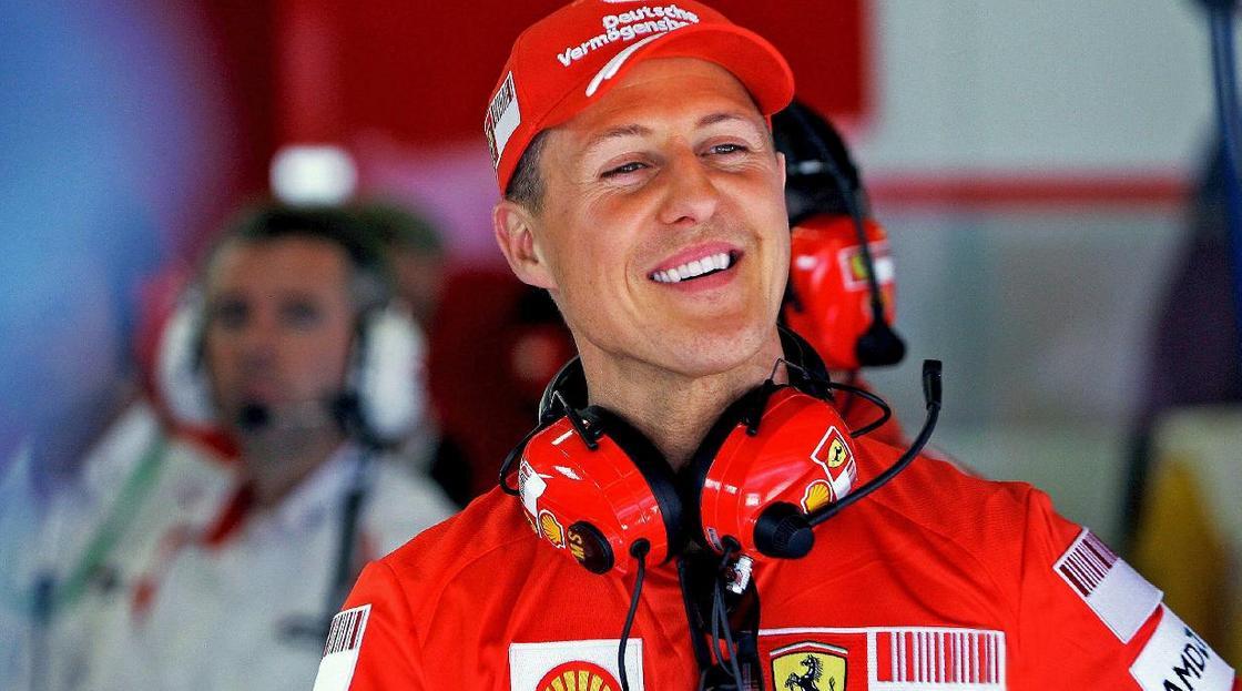 СМИ: Шумахер прошел курс лечения в Париже и уехал из Франции