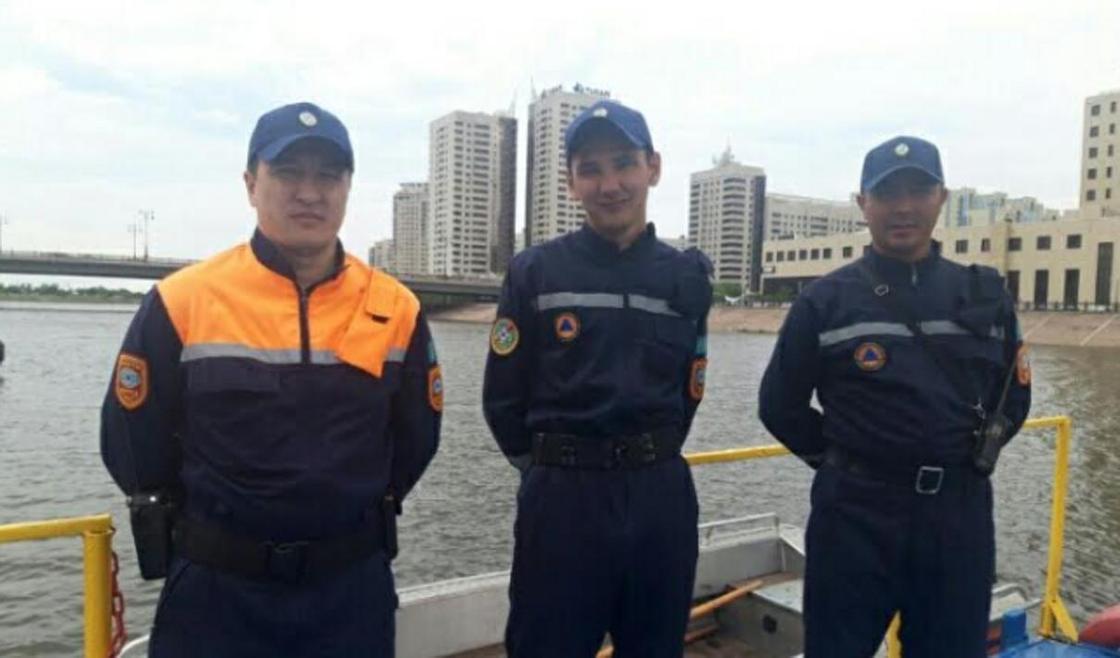 Спасатели вытащили тонущего мужчину из Реки Есиль в Нур-Султане