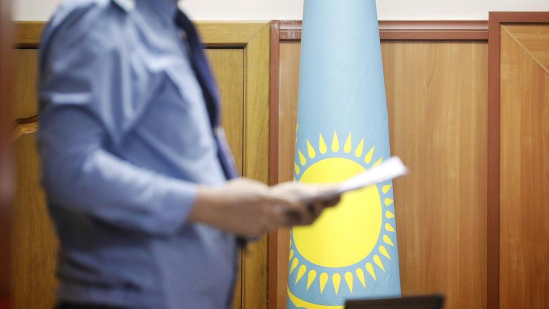 За взятку осудили начальника отряда Костанайского областного Учреждения ДУИС