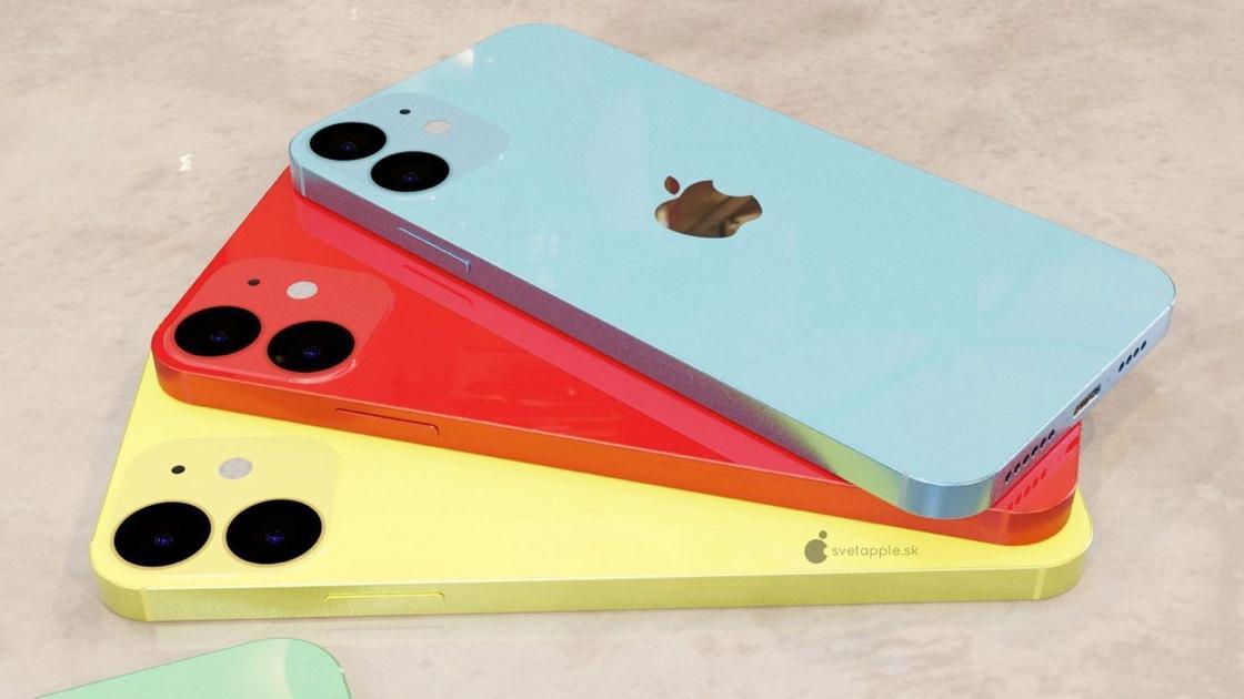 Три смартфона лежат на столе