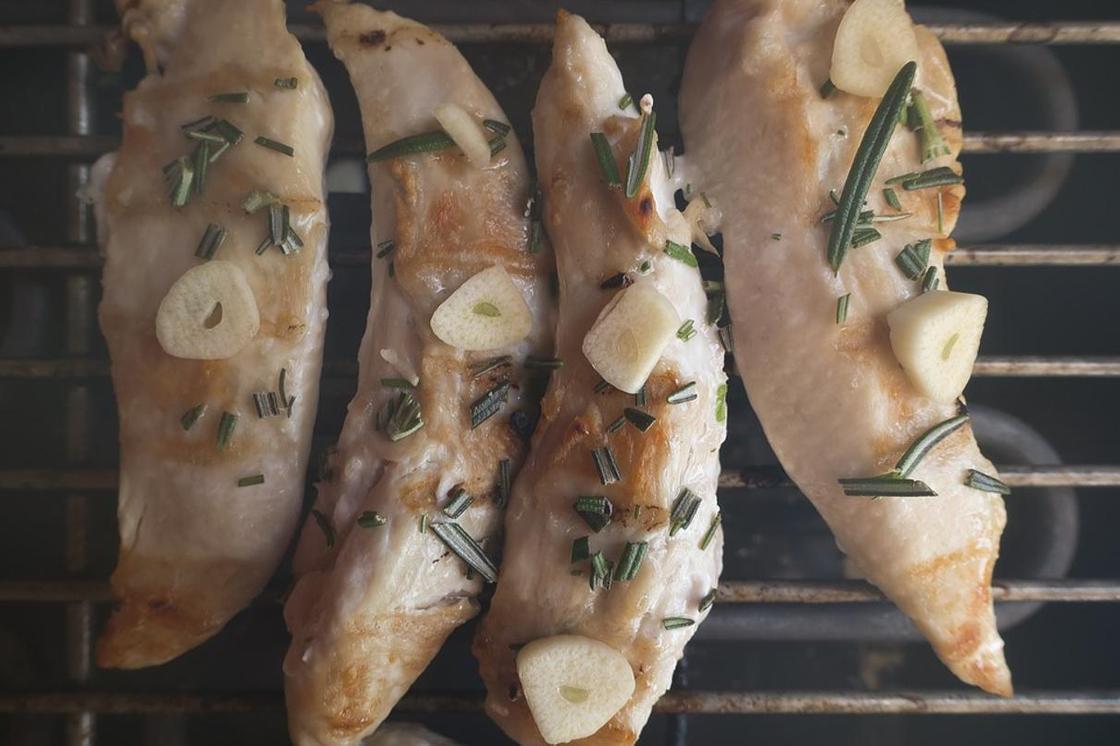 Куриное филе в духовке: рецепты с фото