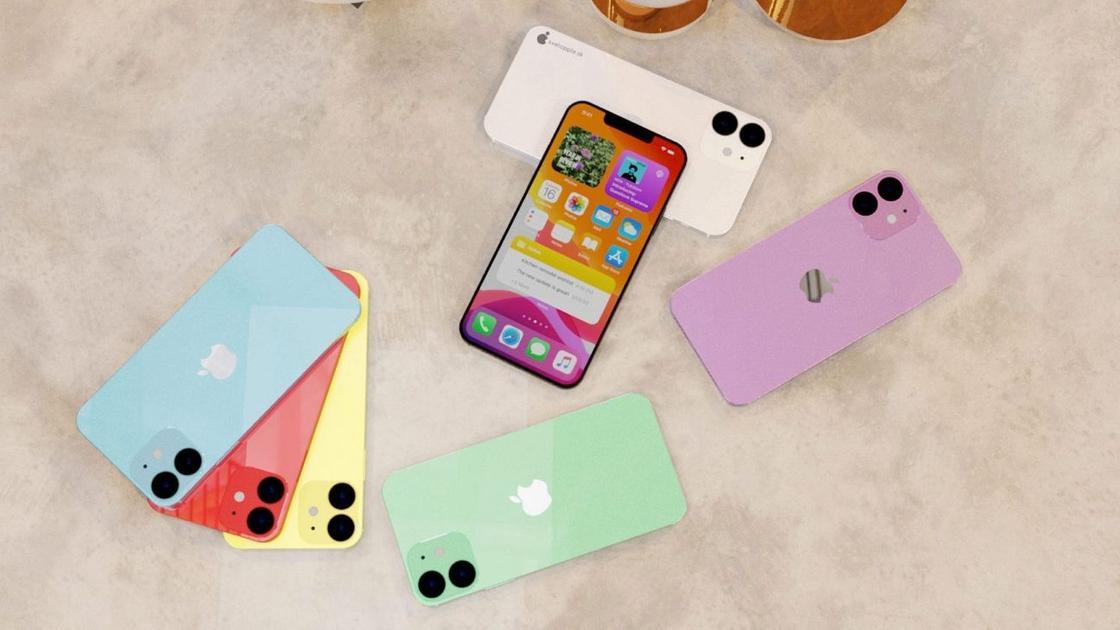 7 iPhone 12 лежат на столе