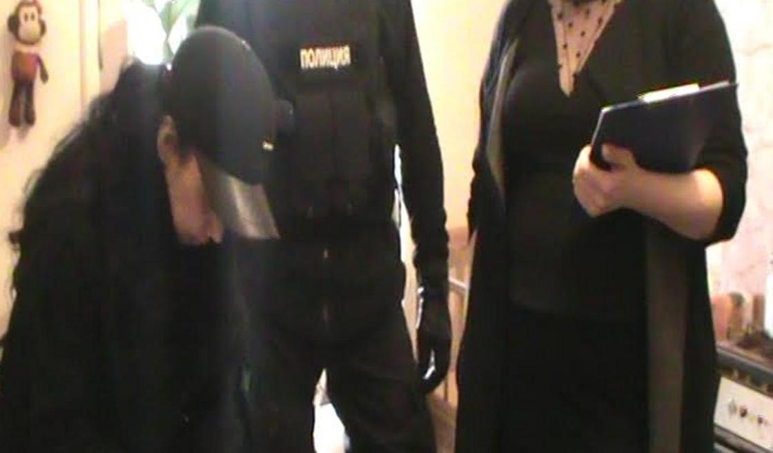 Крупную партию героина нашли у сожителей-наркоманов в Алматы (фото)