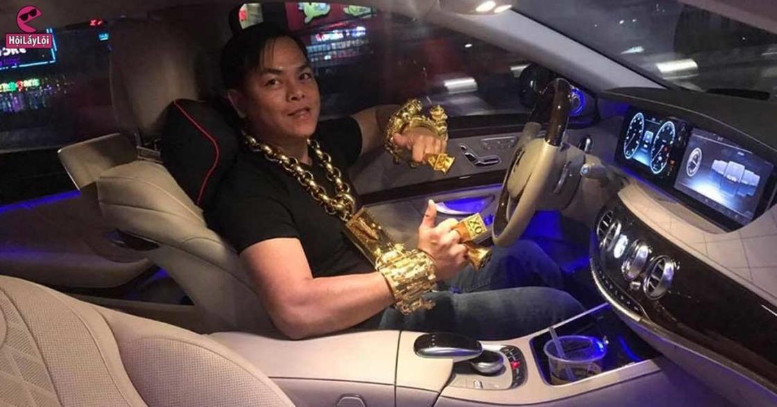 Фотореп Золото, а не человек: вьетнамский бизнесмен носит на себе 13 кг украшений