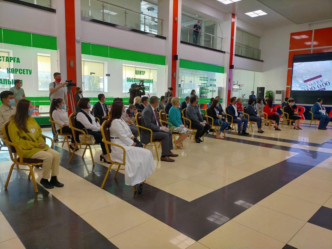 Волонтеры на встрече с акимом Павлодарской области