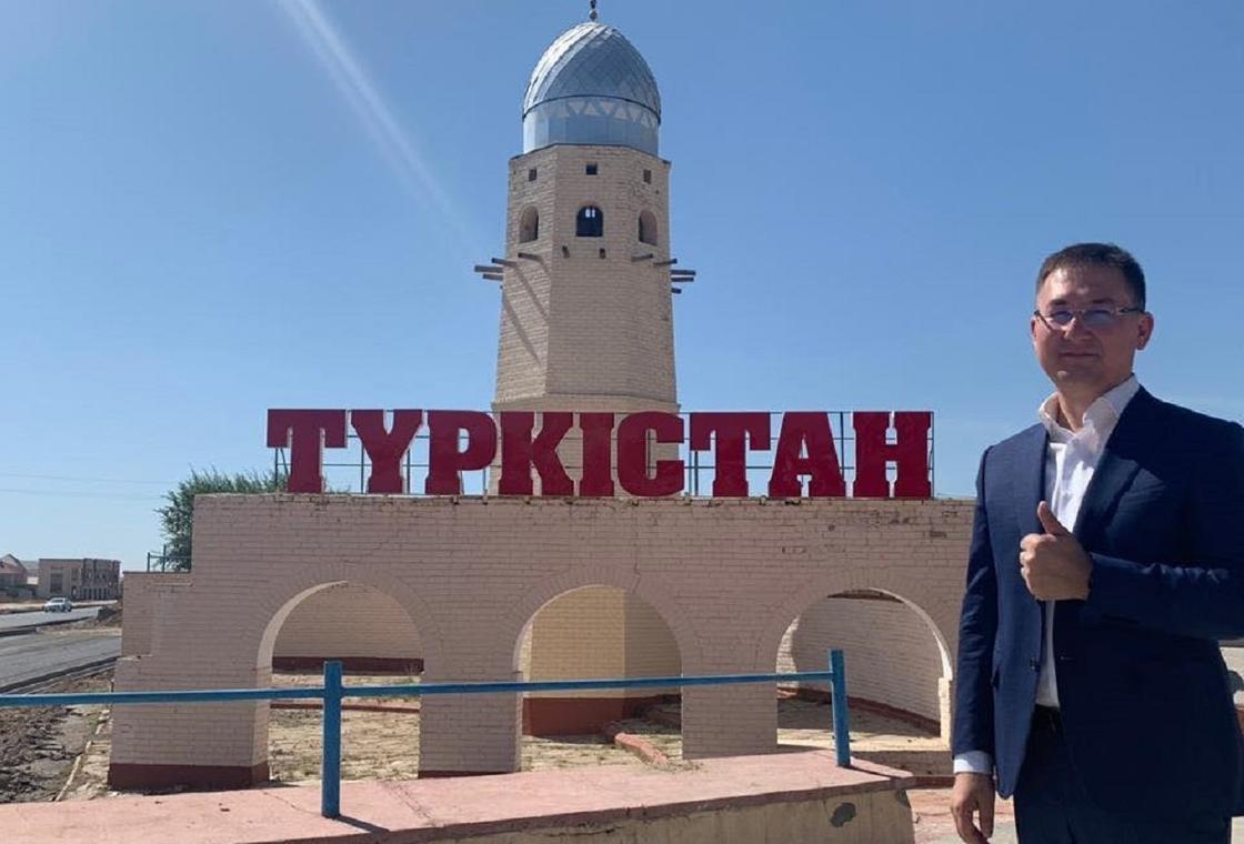 Түркістан әкімі: Басымнан өткен қиындықтар тірі жанның басына бұйырмасын