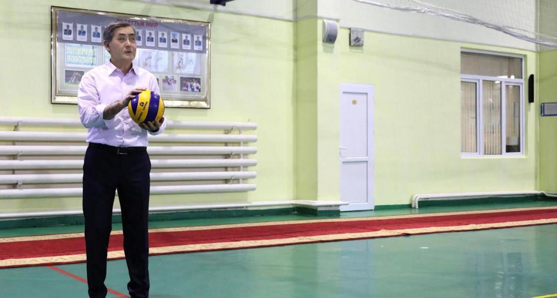 Турнир по волейболу на кубок министра обороны стартовал в Астане