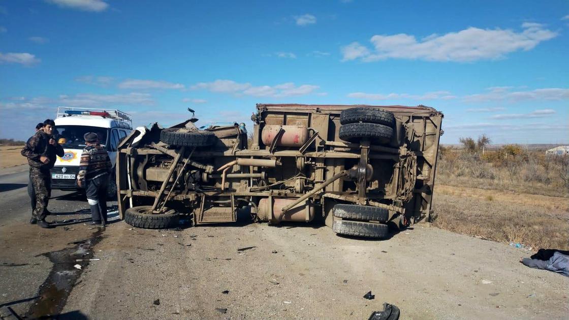 ГАЗ-5312 перевернулась в результате аварии