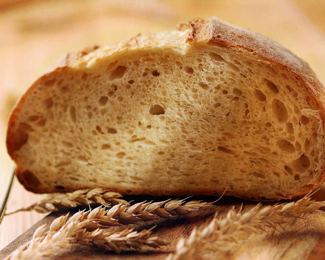 белый хлеб и колоски