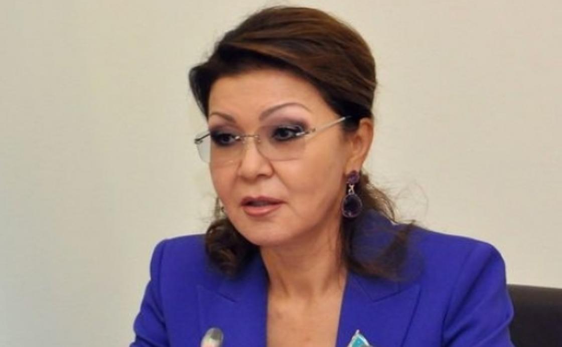 «Это катастрофа»: Назарбаева о массовой гибели рыбы в Урале