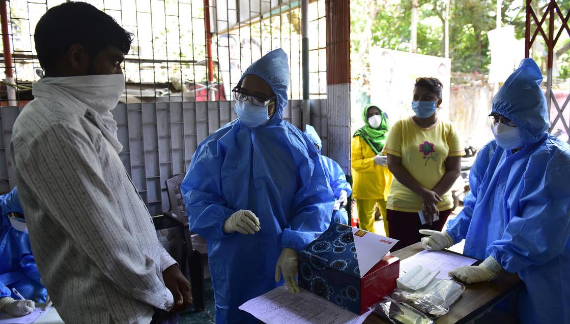 Все опасные слухи о коронавирусе собрали в одном списке