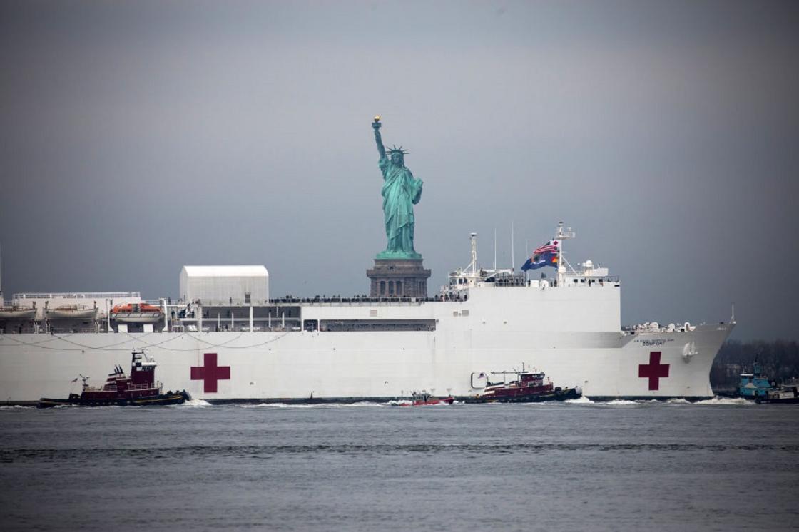 Век статуи Свободы не видать? Как Нью-Йорк стал эпицентром мировой эпидемии