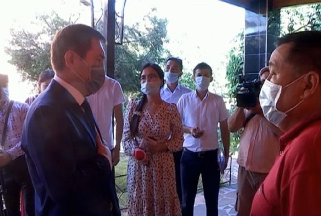 Миллион вместо десяти заплатили родственникам умерших медиков в Шымкенте