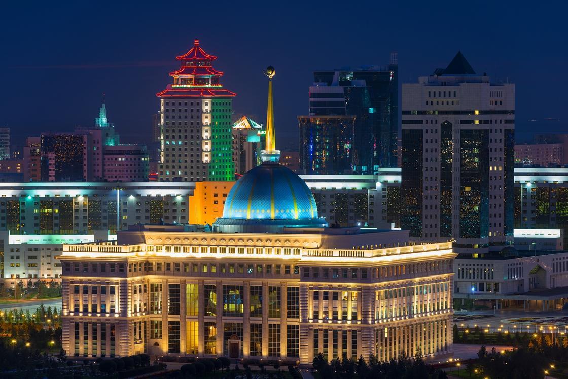Президент Казахстана назначил новых послов
