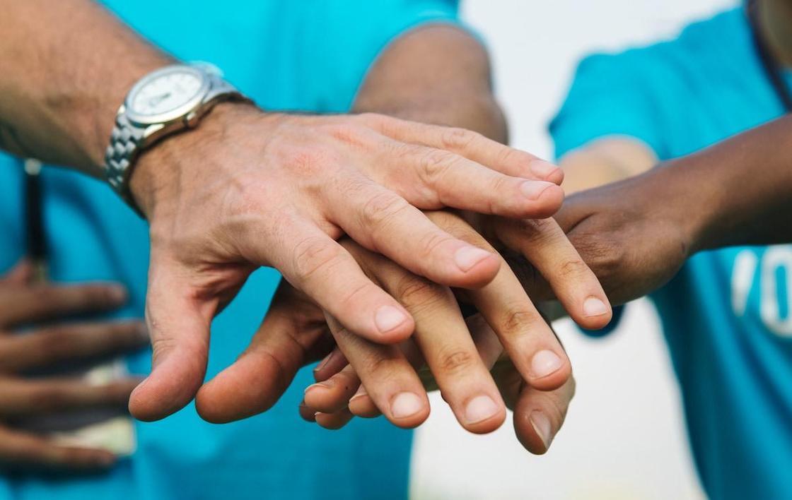 Общими силами. Как волонтеры СКО помогают врачам в борьбе с пандемией коронавируса
