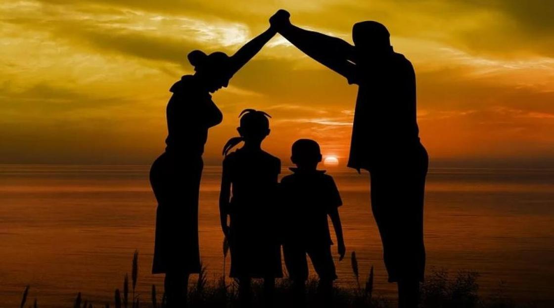 Республиканский совет по защите прав детей создали в Казахстане по поручению Назарбаева