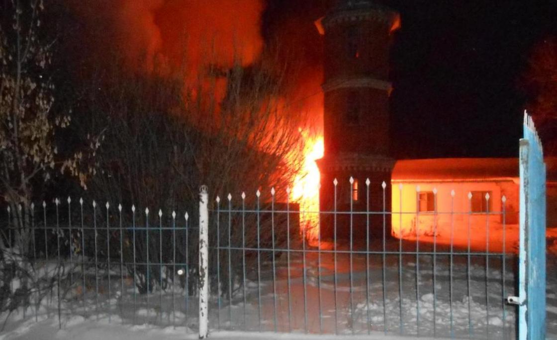 Пожар произошел в мечети в СКО (фото)