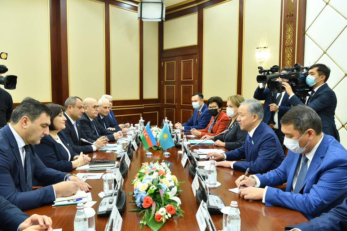 Встретился с председателем Милли Меджлиса Азербайджана