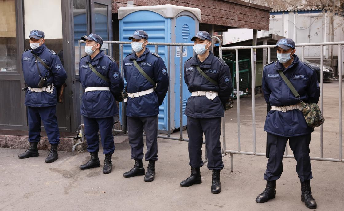 Токаев: На время карантина мы требуем от граждан находиться дома