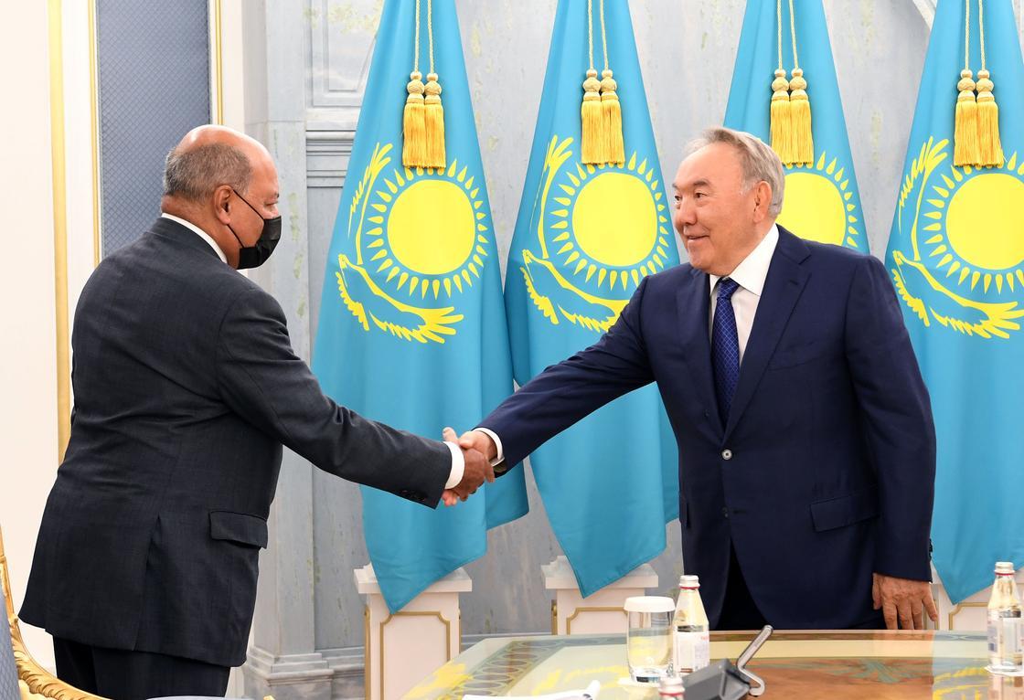 Нурсултан Назарбаев и Сума Чакрабарти
