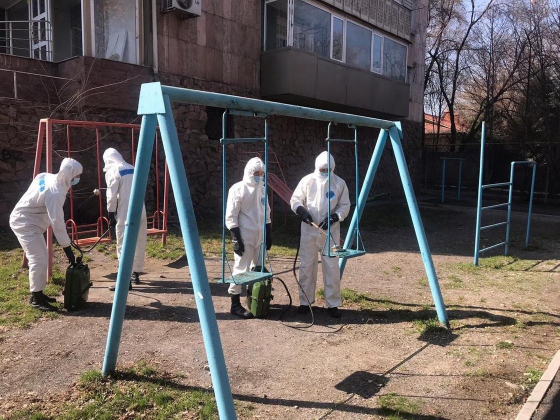 Около 2 млн литров дезраствора использовали с начала карантина в Алматы