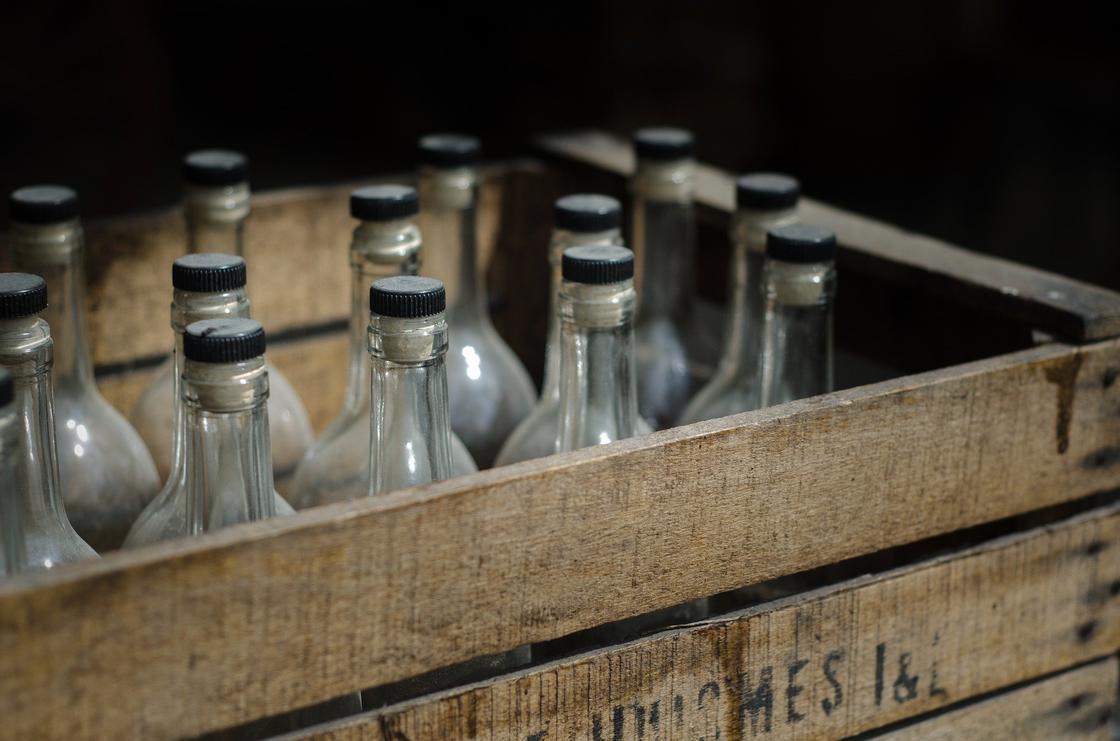 Массовое отравление алкоголем в Казахстане: число скончавшихся увеличилось до 23