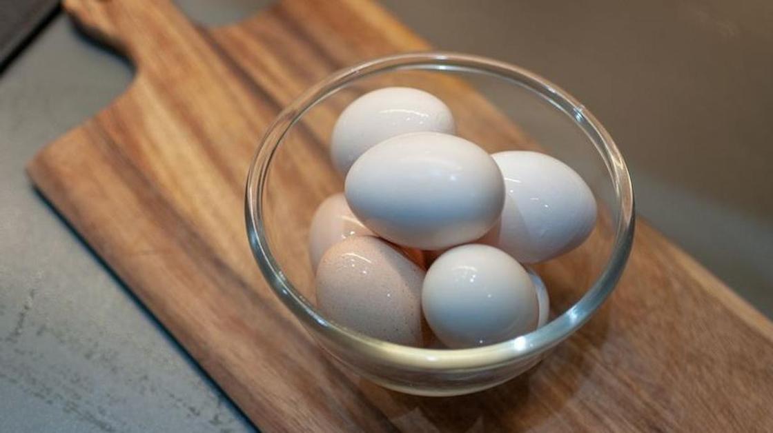 Опасность чрезмерного употребления яиц назвали медики