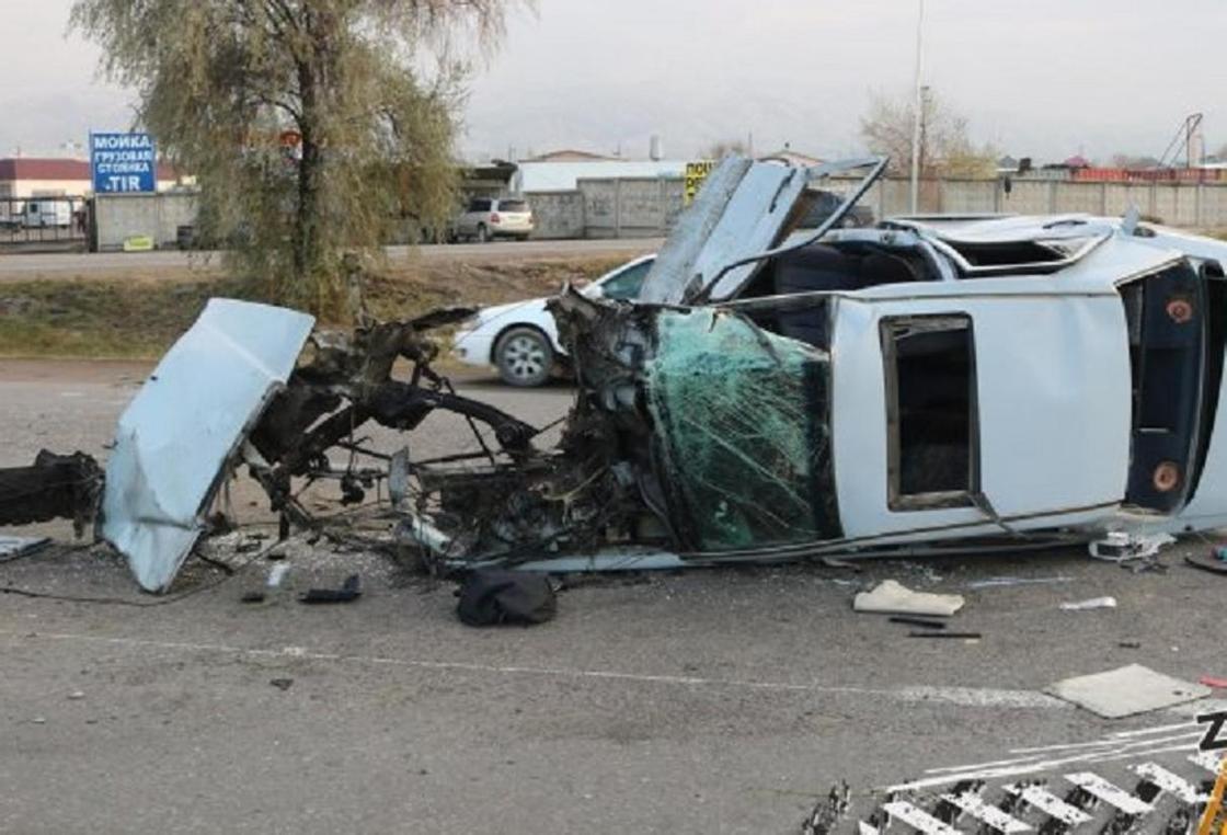 ДТП на трассе Алматы-Бишкек: жена погибшего требует наказать виновного