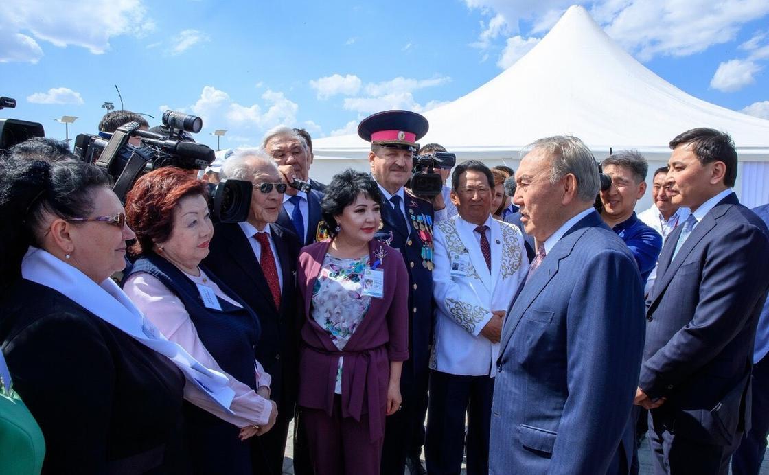 БҚО зиялылары Қазақстанның тұңғыш президентіне алғыс айтты