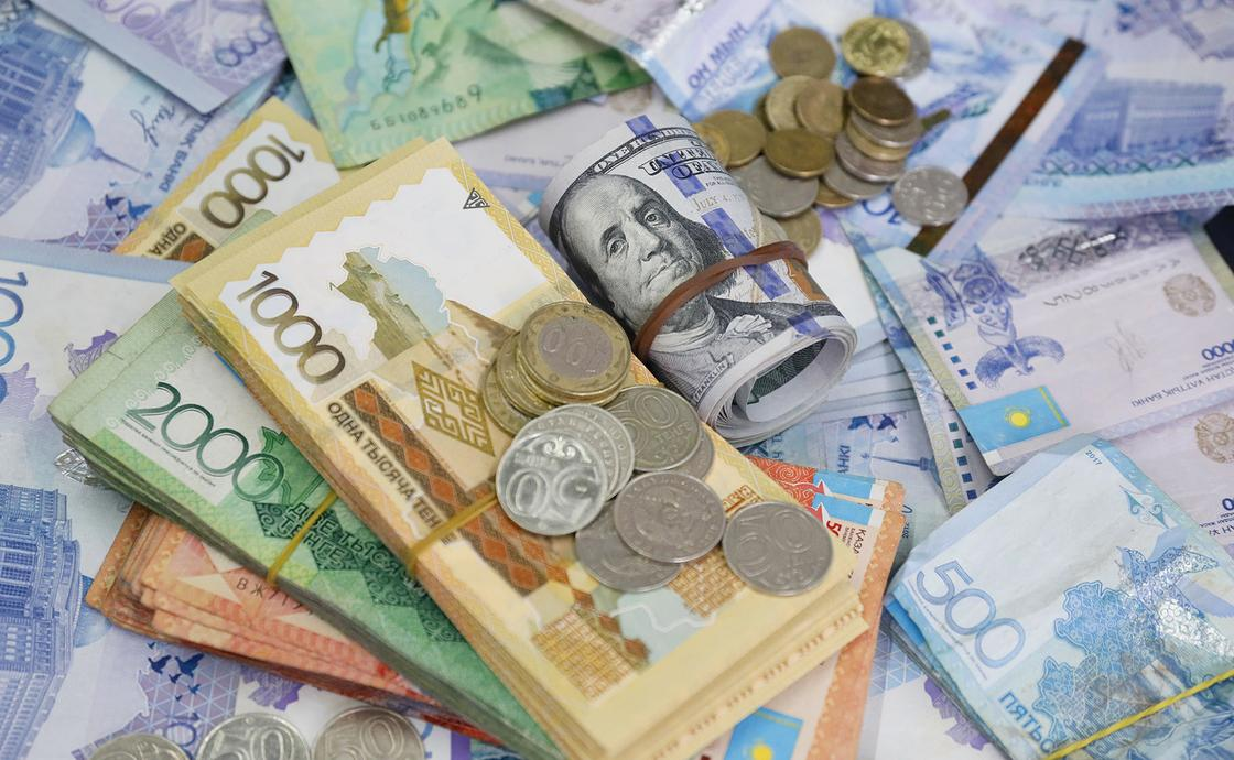 Пока не включать: Какой депозит лучше выбрать: долларовый или тенговый