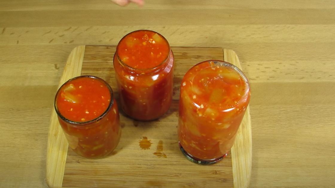 Банки с кабачками в томатном соусе