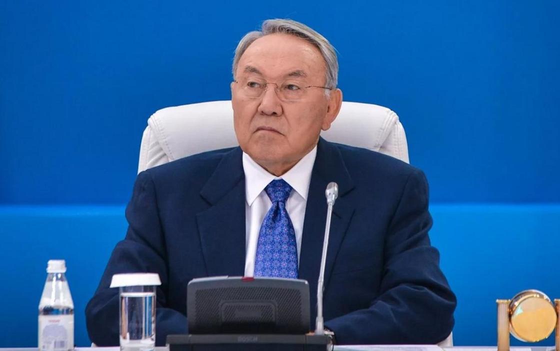 Нұрсұлтан Назарбаев өз өкілеттігін тоқтатты
