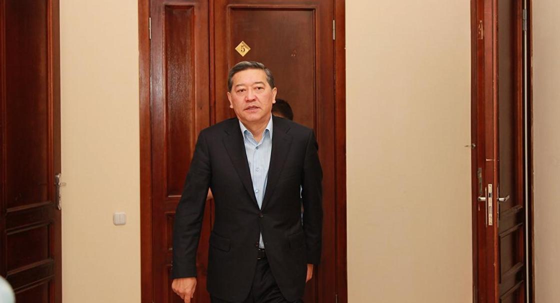 Экс-премьер-министр страны Серик Ахметов просит освободить условно-досрочно